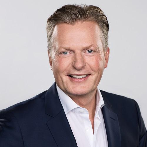 Dr Ludger Meyer, Leiter der Schönheitsklinik Villa Bella in München